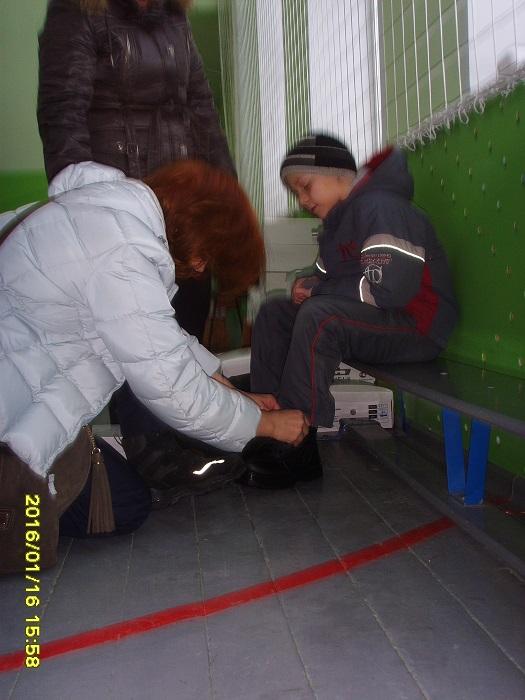 Одежда и обувь для девочек